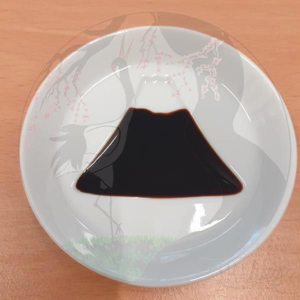 Shoyuschälchen Mt. Fuji, Mino Porzellan, gefüllt